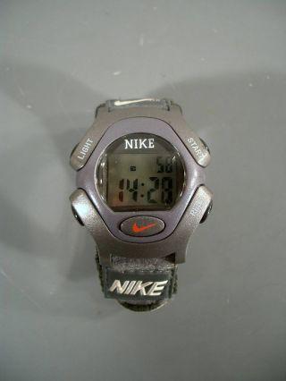 Armbanduhr Nike Quarzwerk Digital Alarm Bild