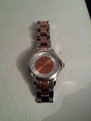 Lbvyr Uhr,  56200,  La Gacilly.  Mit Schutzfolie Bild