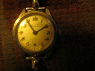 Iwc Originale Damen Uhr Richtiges Geschenk Fuer Ihre Liebste Bild