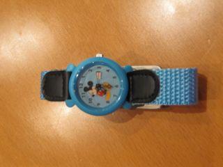 Kinder Armbanduhr Von Micky Maus Bild