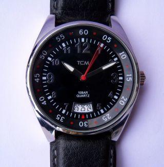 Schwarze Tcm Armbanduhr 229507 Tchibo Tschibo Quartz Analog Datum - - Wie - - Bild