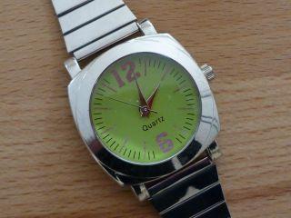 Uhr Damen Quarz Silber - Grün Läuft Einwandfrei Bild