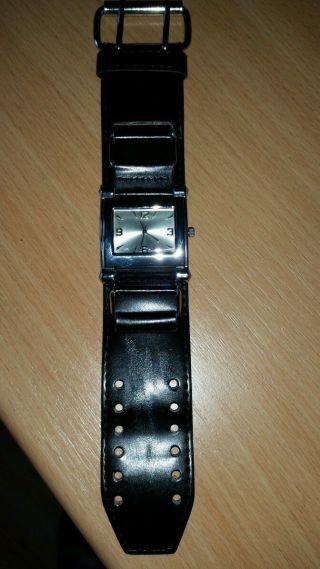 Herrenarmbanduhr - 4 Cm Breites Armband Bild