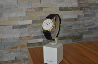 Junghans Quarz Armbanduhr,  Goldfarben,  Quarzuhr,  Lederarmband Bild