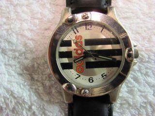 Schöne Adidas Armbanduhr Bild
