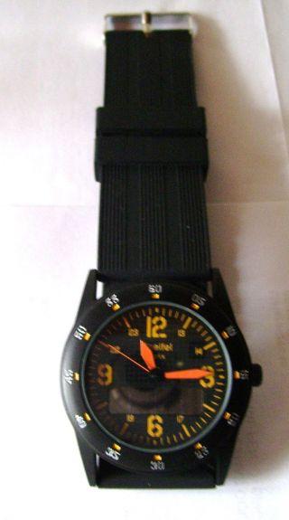 Solaruhr,  Armbanduhr