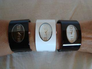 Damen Uhr Spangenuhr Schwarz Oder Weiß Bild