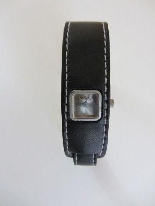 Armbanduhr Uhr Armband Schwarz Aus Kunst - Leder Bild