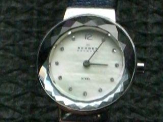 Schöne Flache Skagen Denmark Armbanduhr,  Damenarmbanduhr,  Dau,  Damenuhr Bild
