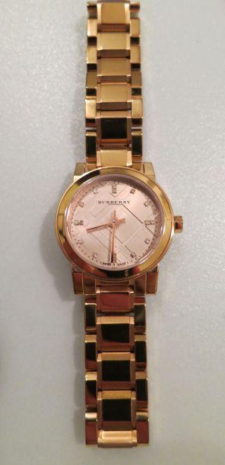 Burberry Damen Uhr Rotgold The City Bu9215 Mit 26 - Mm - Gehäuse Und Diamant - Ziffern Bild