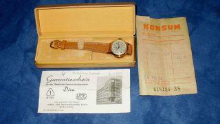 Umf Ruhla 15 Steinige Damen Armbanduhr