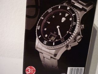 Elegante Funkarmbanduhr,  Edelstahl Armband U.  Gehäuse,  Deutschefunktechnologie Bild
