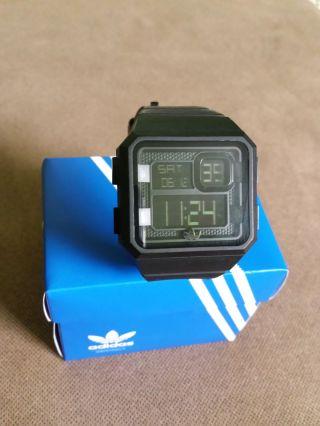 Adidas Armbanduhr Curitiba Digital Quarz Silikon Adh2770 Schwarz Bild