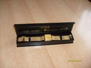 Eden Switzerland Damen Armbanduhr Goldfarbig Bild