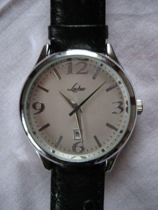 Klassische Herrenarmbanduhr Mit Datumsanzeige Von Lacher Bild