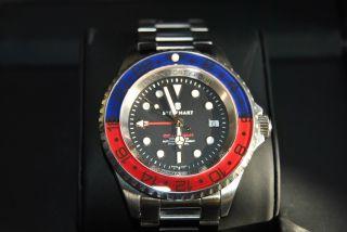 Steinhart Ocean 44 Gmt Blue Red Swissmade Eta 2893 - A2 Bild