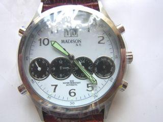Madison York Automatic Waterresistant 30m Armbanduhr Ungetragen Bild