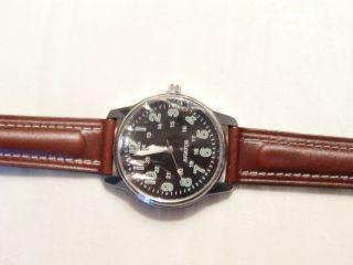 Quartz - Armbanduhr  Fliegermodell 2.  Weltkrieg Bild