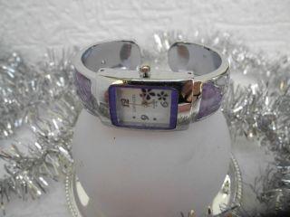 Damen Spange Uhr - Blümchen Flowers - Lila - - Ungetragen Bild