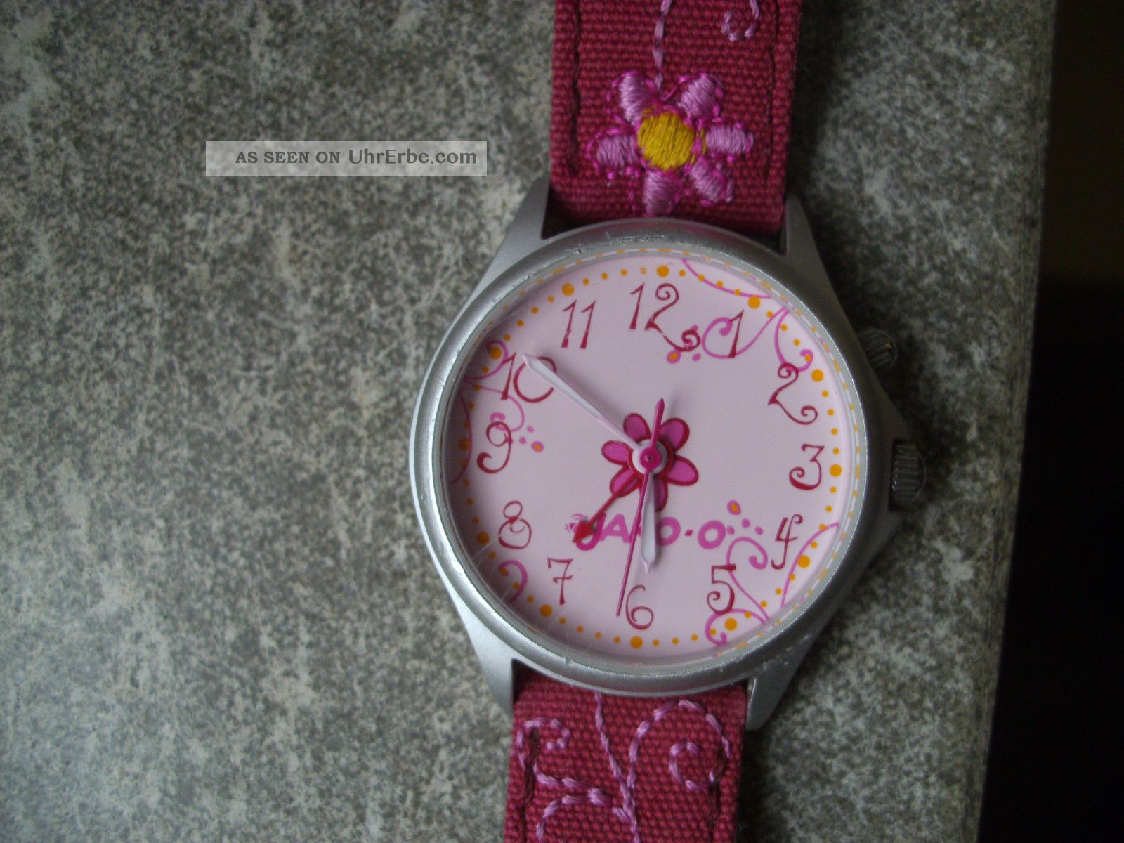 kinderarmbanduhr kinder armbanduhr von jako o mit einem. Black Bedroom Furniture Sets. Home Design Ideas
