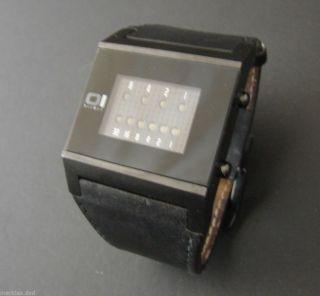 The One Binary - Blaue Leuchtioden - Stylische Uhr - Sehr Gut Erhalten Bild