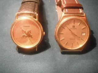 Tissot Uhren Unisex 2 Stück In Gold Farbend Beides Quarz An Sammler. Bild
