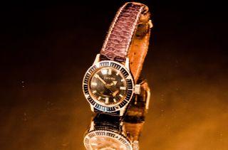 Zentra Uhr Bild