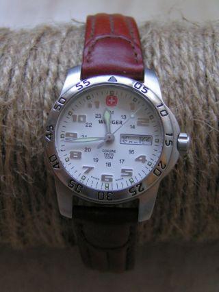 Damen Armbanduhr Von Wenger Schweiz,  Lederarmband,  Braun Bild