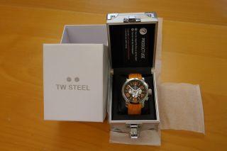 Tw Steel Grandeur Tw53 Mit Orangem Armband - Neuwertige Armbanduhr Für Herren Bild