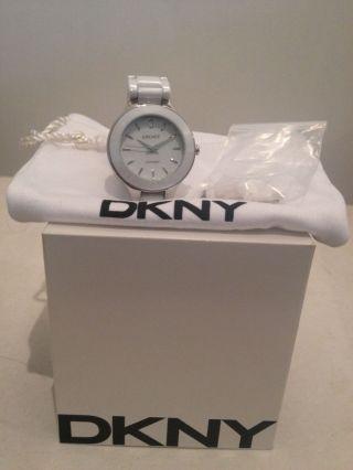 Dkny Donna Karan Armbanduhr Keramik Weiss Statement Damenuhr Bild