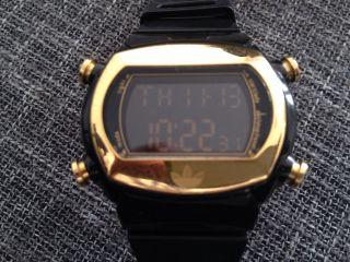 ⭐️adidas Uhr Schwarz Gold Digital Blogger⭐️ Bild