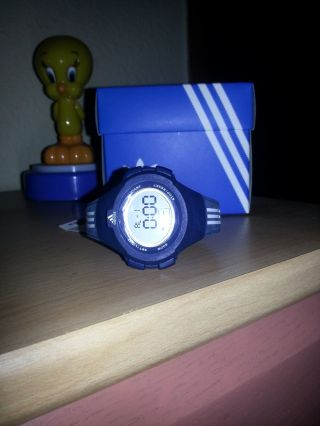 Adidas Kinder - Armbanduhr - Nie Getragen - Wie - Bild