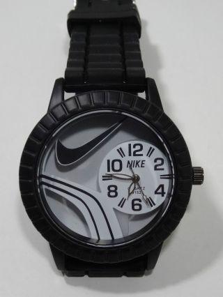 Coole Nike Herren Uhr Armbanduhr Cooles Design Neuware Bild