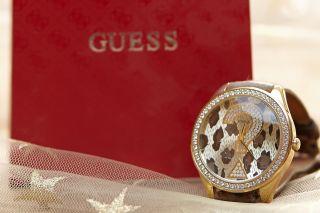 Grosse Guess Damenuhr Mit Leopardprint - Armband Viele Funkelnde Kristalle Bild