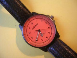 Sammlerstück Armbanduhr Schwarz Uhr Adidas Bild