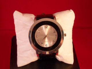 Moderne,  Trendige Damen - Armbanduhr,  Fb.  Schwarz Bild