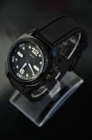 Sportliche Schwarze Wasserdichte Damen Armbanduhr Dkny Watch Ny4898. Bild
