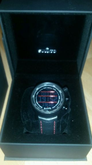 Outdoor Watch HÖhenmesser Suunto Elementum Leder Terra Red / Black Bild