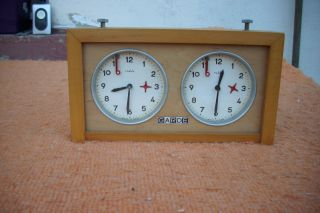 Garde Schachuhr Aus Holz Veb Uhrenwerke Ruhla Mechanisch Bild