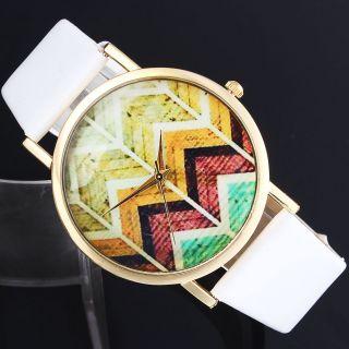 Frauen Leatheroid Band Runden Welle Genf Kleid Quarz - Armbanduhren Bild