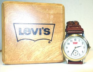 Levis Uhr Mit Kassette Gekauft In Den 90ern Als Weihnachtsgeschenk ? Bild