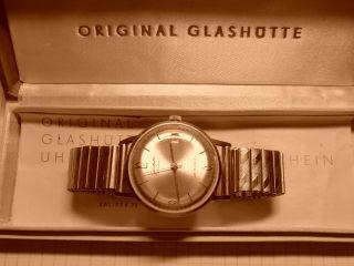 Glashütte Herrenarmbanduhr Spezimatic Kaliber 75 Bild