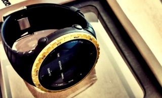 Suunto Core Yellow - Black Armbanduhr Höhenmesser Bild
