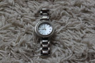 Dkny Armbanduhr Silber Mit Kristallverzierung Bild