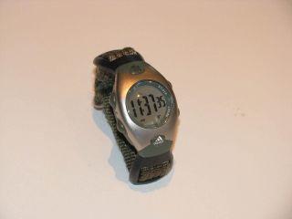 Adidas Uhr Armbanduhr Olive Digital Unisex Gewebearmband Bild