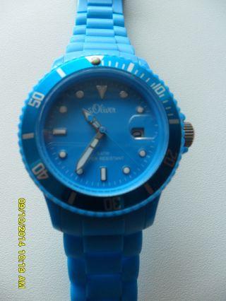 S.  Oliver Silikon Uhr Mit Datum Unisex Ice Blau 5 Atm Neuwertig Bild