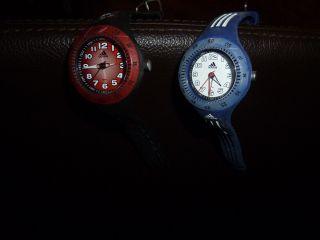 Adidas Kinderarmbanduhren 2 Stk (blau,  Rot) Bild