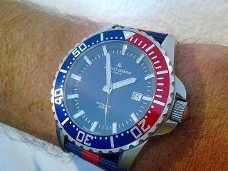 Jacques Lemans Geneve,  Diver Tempora G - 229,  Automatic,  Saphir,  200m,  Swiss Made Bild