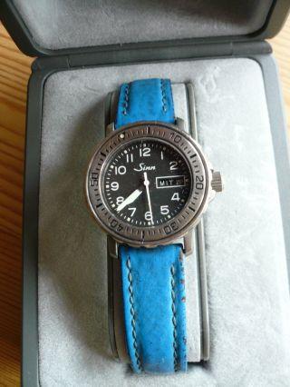 Sinn Damen - Taucheruhr 8825 Ti,  Reintitan,  Auch Mit Massiv - Armband Bild