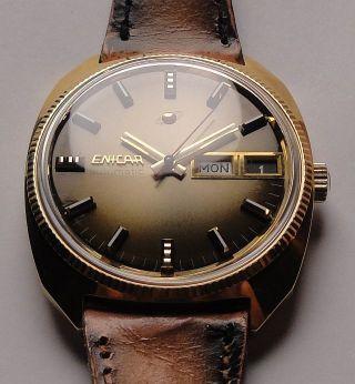 Vintage Armbanduhr Automatic Enicar–day Date Mit Braunem Dual Tone Zifferblatt Bild
